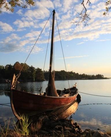 Skíðblaðnir... about to sail..