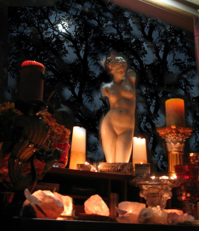Altar made by Seana Fenner (Odinia) at Freyja Hof Photo Credit: Seana Fenner